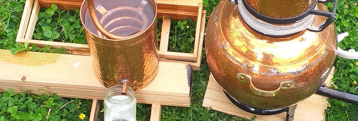 Distillation d'un hydrolat ou eau florale